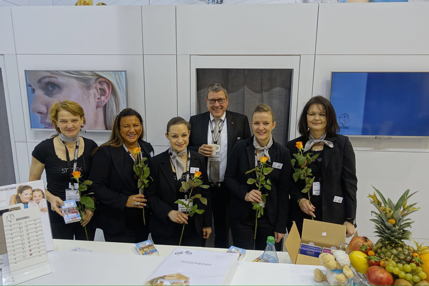 Ein Teil des internationalen Studex-Teams auf der INHORGENTA MUNICH 2016